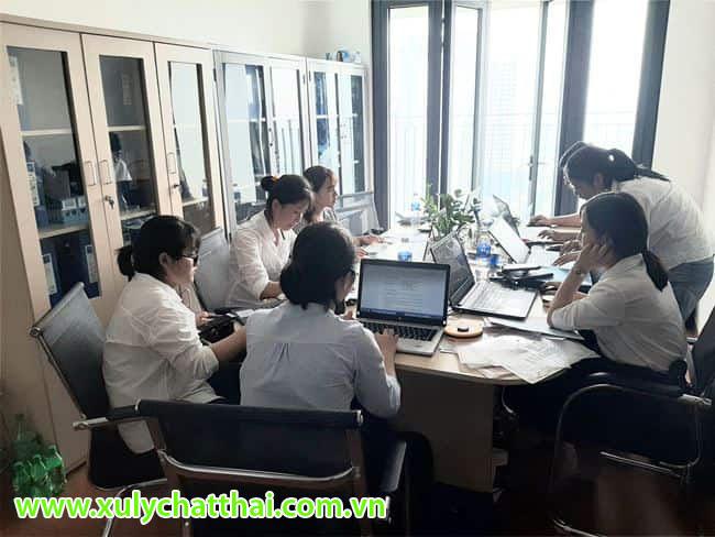 Đội ngũ nhân viên tư vấn môi trường