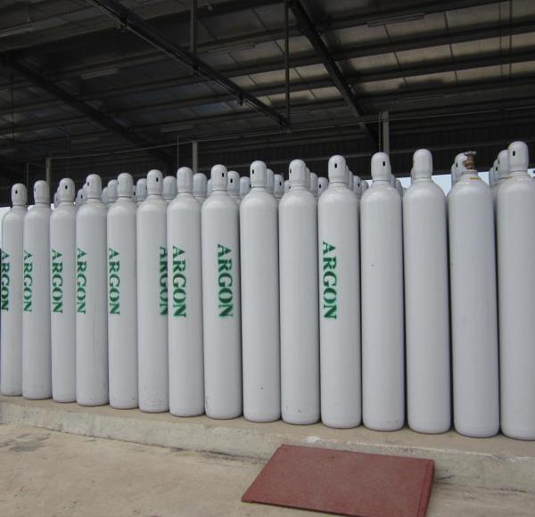 Khí argon được chứa trong các bình